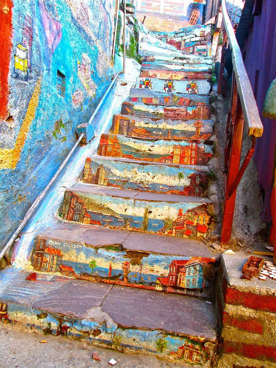 Beautiful painted stairs form around the world - Valparaiso-Chile