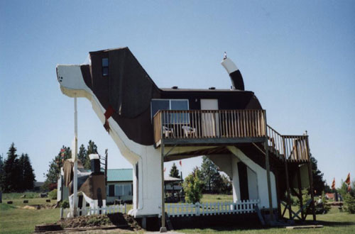 Dog Bark Park Inn Weirdest Hotels around the world