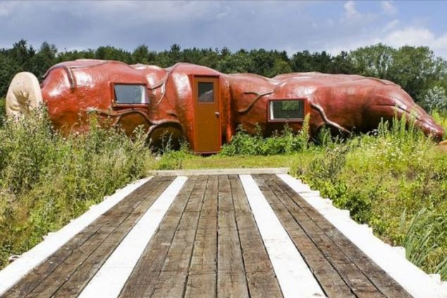 Weirdest Hotels around the world CasAnus