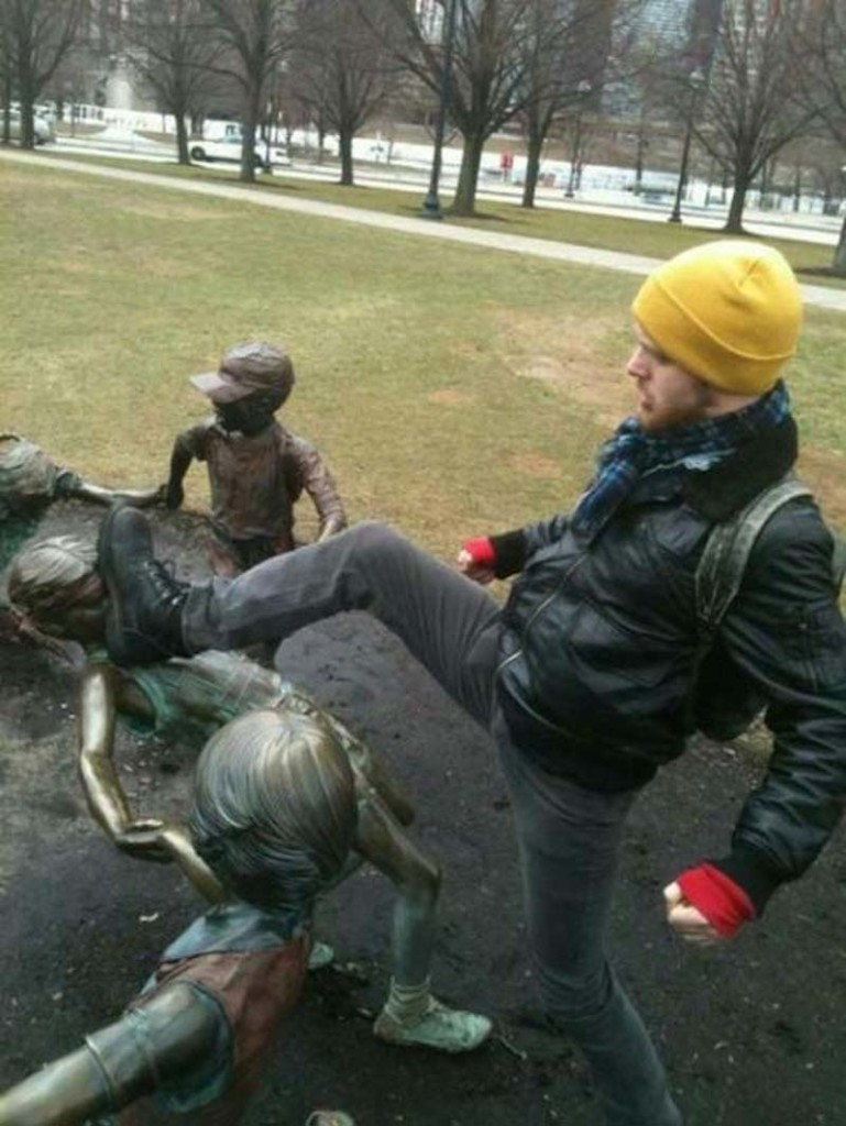 Pranks with Statues 13