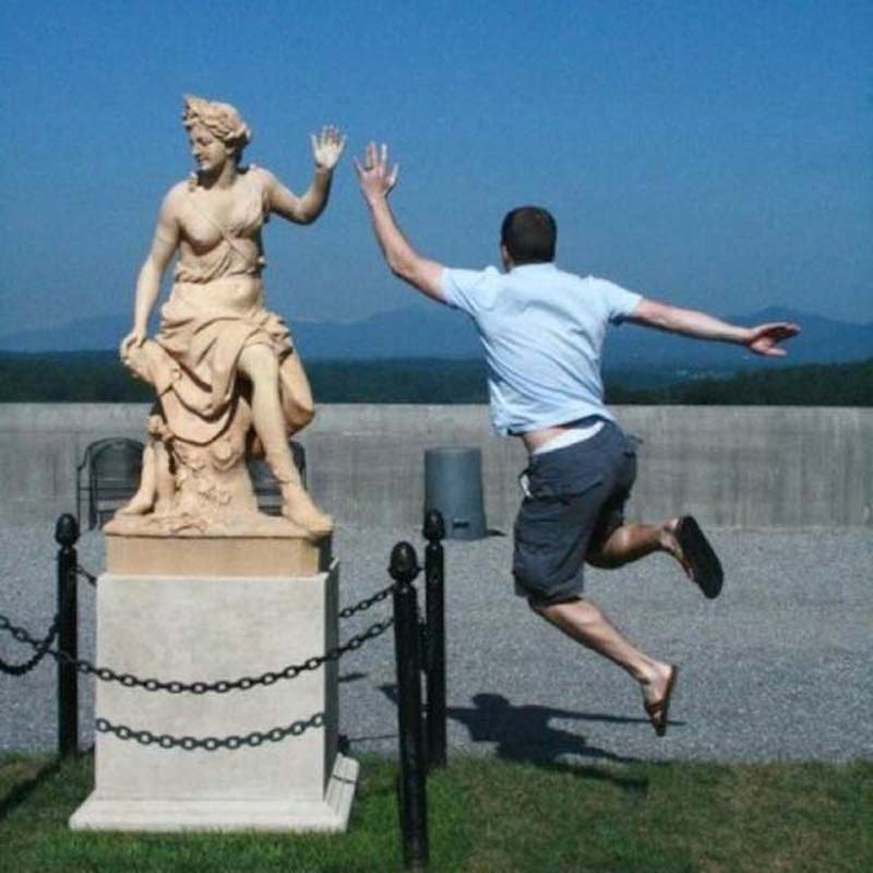 Pranks with Statues 17