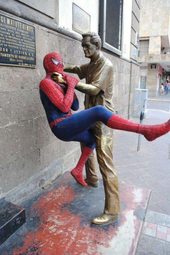 Pranks with Statues 3