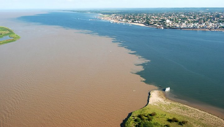 manaus amazon - Oceans meet - The Rio Negro and the Rio Solimoes meet