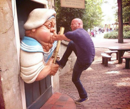 people-messing-statues-2