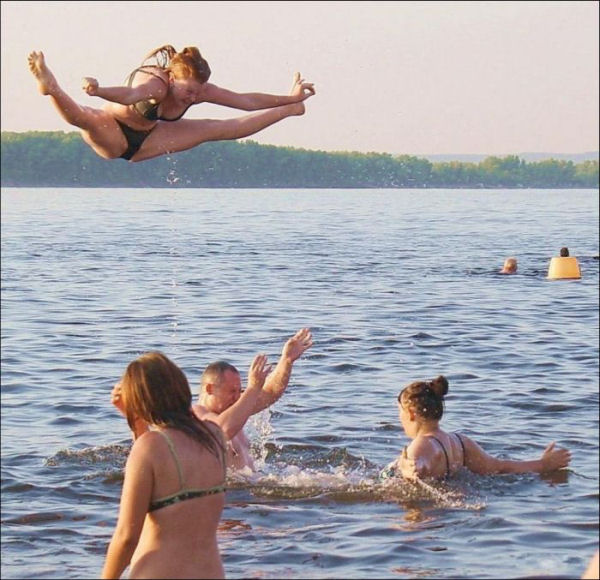 Funny photos of people on beach