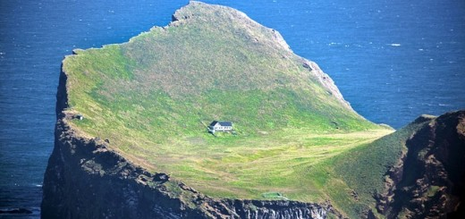 Most Isolated Houses - Elliðaey, Iceland 1