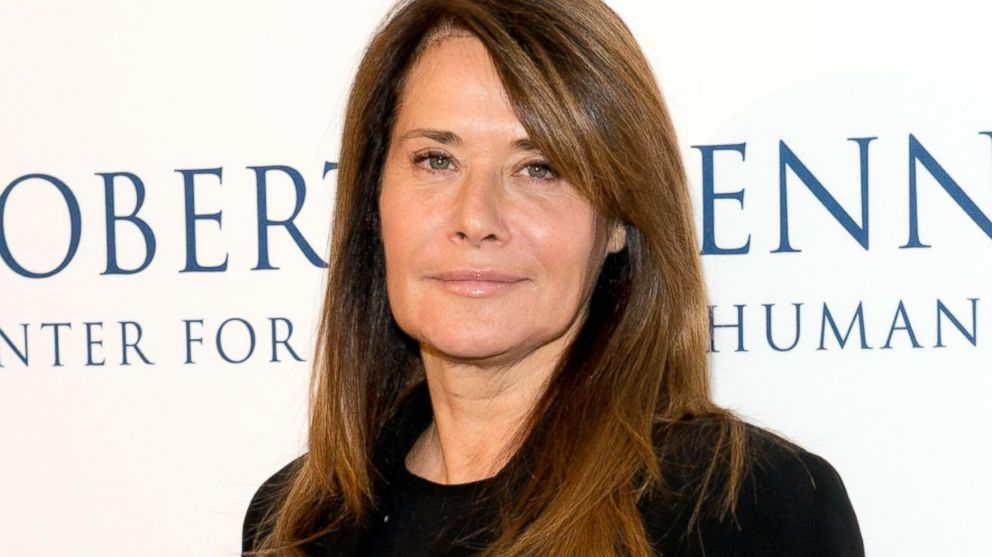 10 celebrities who went bankrupt - Lorraine Bracco