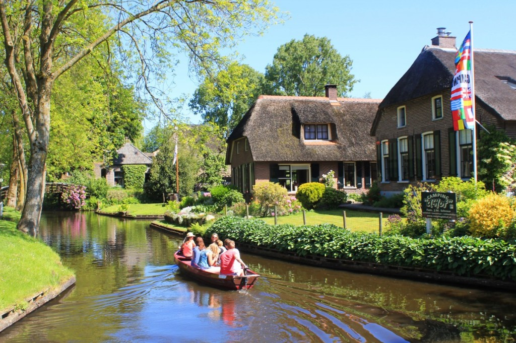 Amazing places -  Giethoorn, Netherlands
