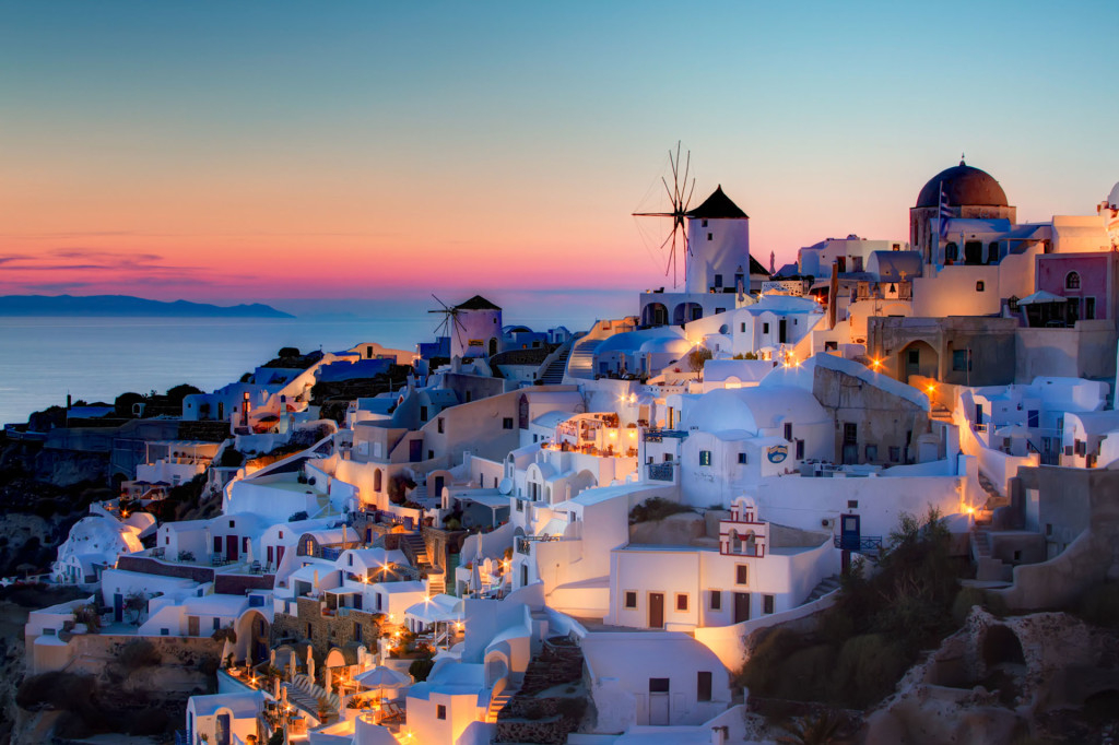 Amazing places - The village of Oia in Santorini, Greece