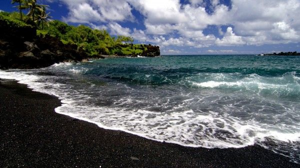 Best Black Sand Beaches - Oneuli Beach, Maui