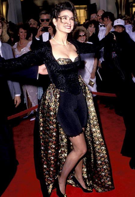 Demi-Moore-1989, Awful dresses at Oscar Awards, Disgusting dresses wore by celebrities at Oscar Awards