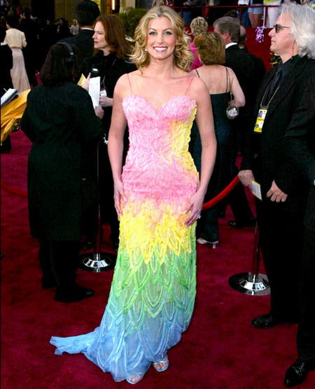 Faith Hill wore awful dress in 2002 at Oscar, hideous outfits, hideous celebrity outfits