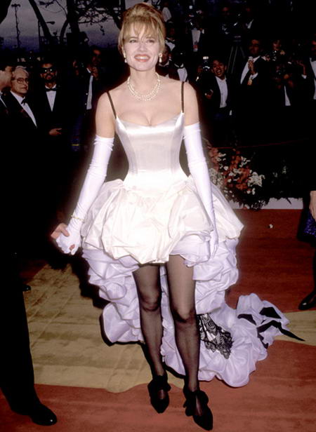Geena-Davis-1992, awful dresses wore by celebs at Oscars