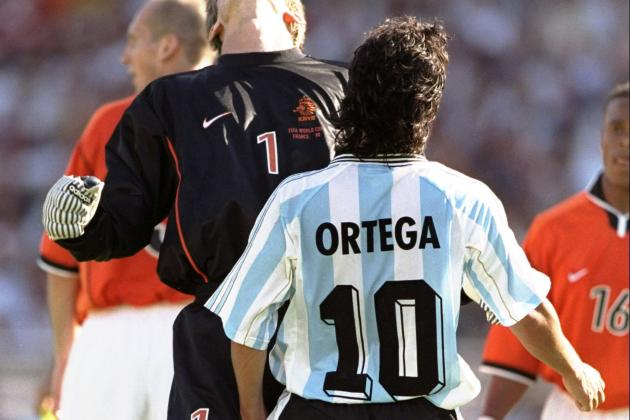 Ariel Ortega headbutted Dutch keeper Edwin van der Sar