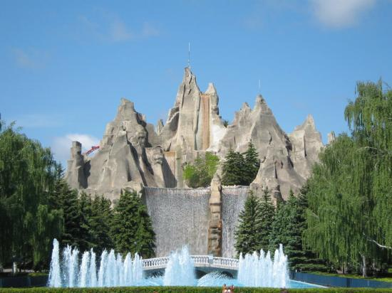 bes amusment parks from around the world - Canada's Wonderland, Vaughan, Ontario, Canada