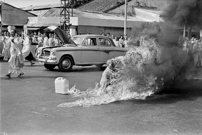 most-momentous-protests-in-history-Self-Immolation-by-Thich-Quang-Duc