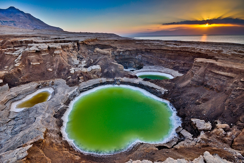 10 Largest Sinkholes Sucking The Earth - Dead Sea Sinkholes, Israel