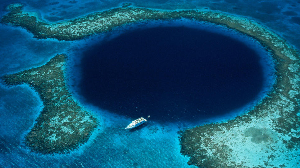 10 Largest Sinkholes Sucking The Earth - Great Blue Hole, Belize