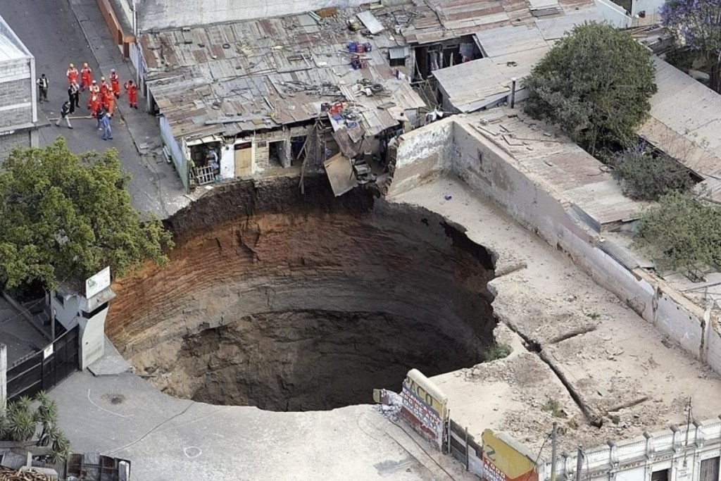 10 Largest Sinkholes Sucking The Earth - Guatemala City Sinkhole 2007