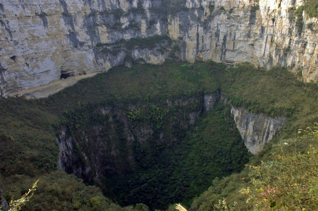 10 Largest Sinkholes Sucking The Earth - Xiaozhai Tiankeng China
