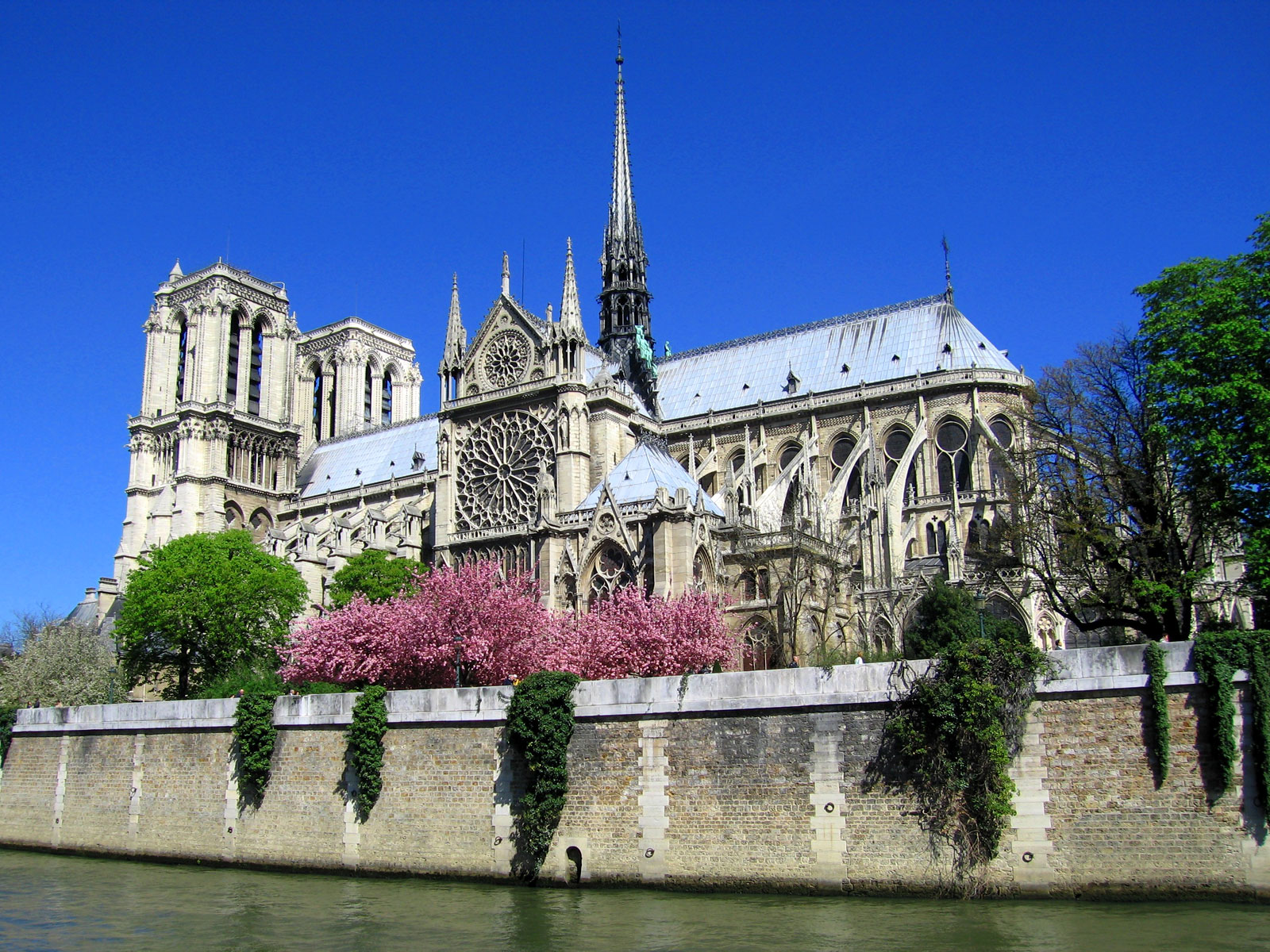 Must Visit Heritage Sites Around The World - Notre Dame de Paris