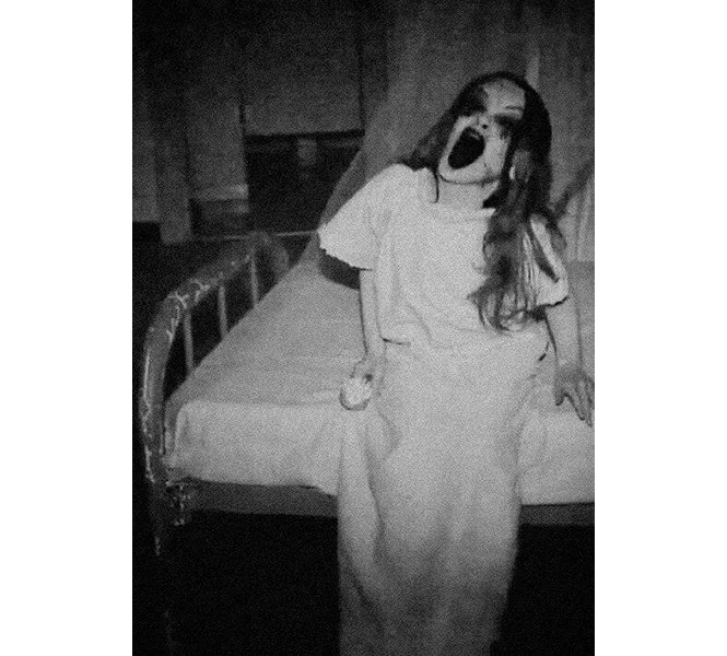 Scary photos, horror, scary, scary images, super scary, nightmares, black and white photos, pics, don't see during night, past glimpses