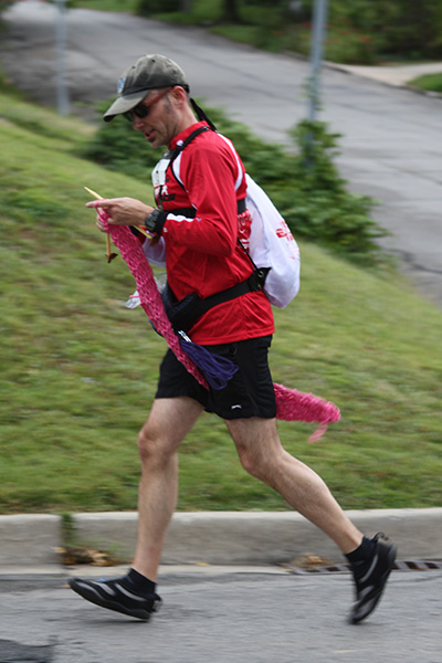 knitting while running, knitting