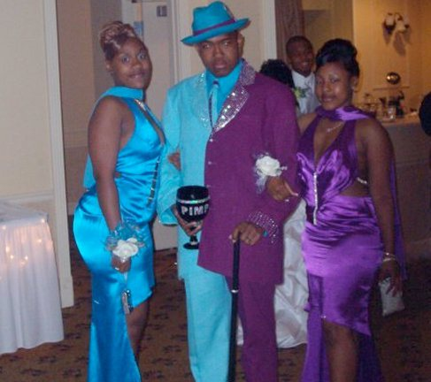 Awful prom night dresses, horrible prom dresses, people wearing horrible dresses