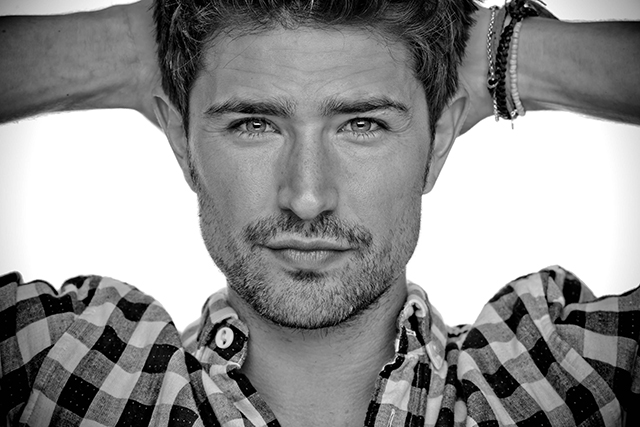 Gay Celebrities - Matt Dallas