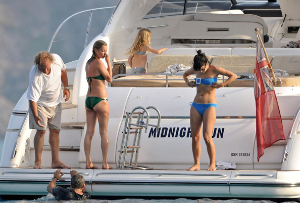 Kate Moss and Lilly Allen-on-FrenchRiviera