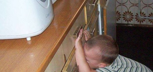 funny pictures, hilarious pics, kids crying, reasons why kids cry