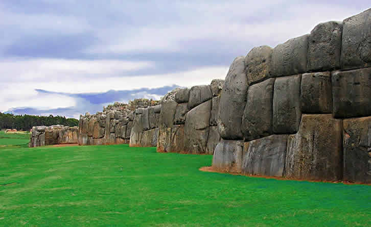 How was sacsayhuaman built