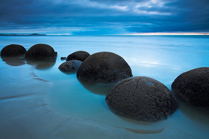 Mysterious places - Moeraki Boulders, New Zealand