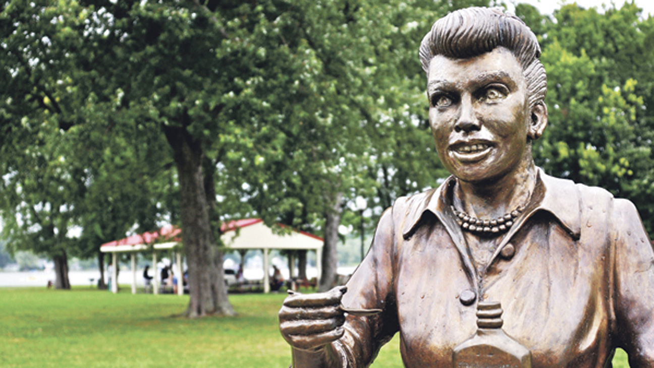 Horrifying statue of Lucille Ball
