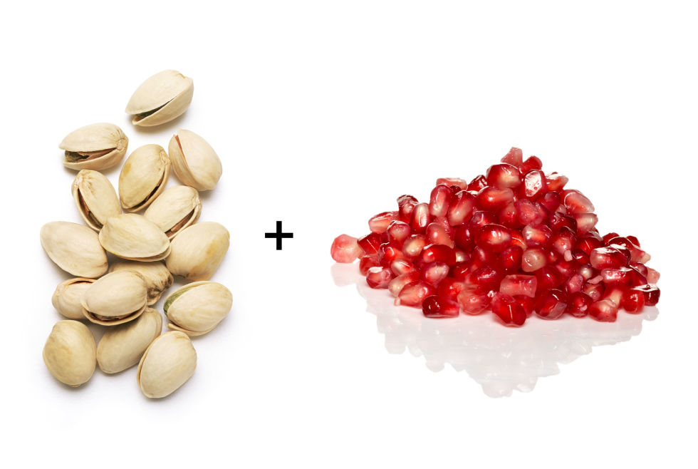Snacks for weight loss - Pomegranate seeds and Pistachios